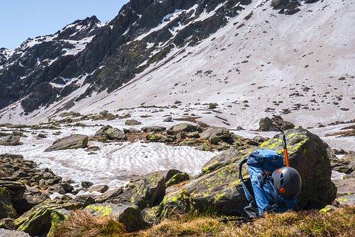 Touristen vermüllen Berge mit Plastik – Am Gletscher befindet sich gleich viel Mikroplastik wie an Meeresstränden